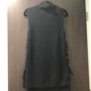 Love Tree Mock Neck Sleeveless Sweater NWOT